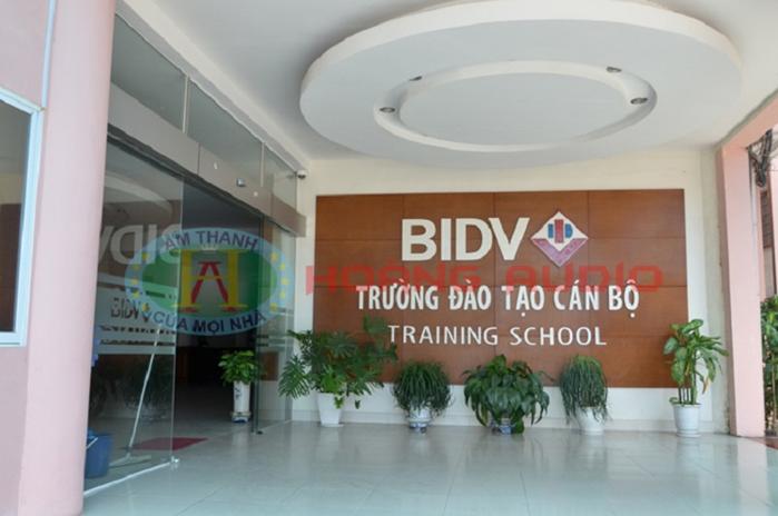 thi-cong-he-thong-am-thanh-truong-dao-tao-can-bo-bidv-1