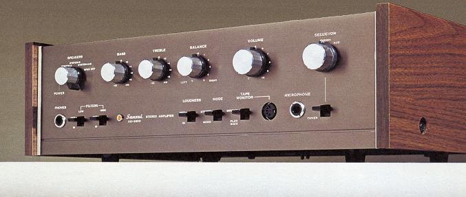 tim-hieu-ampli-nghe-nhac-sansui-2000