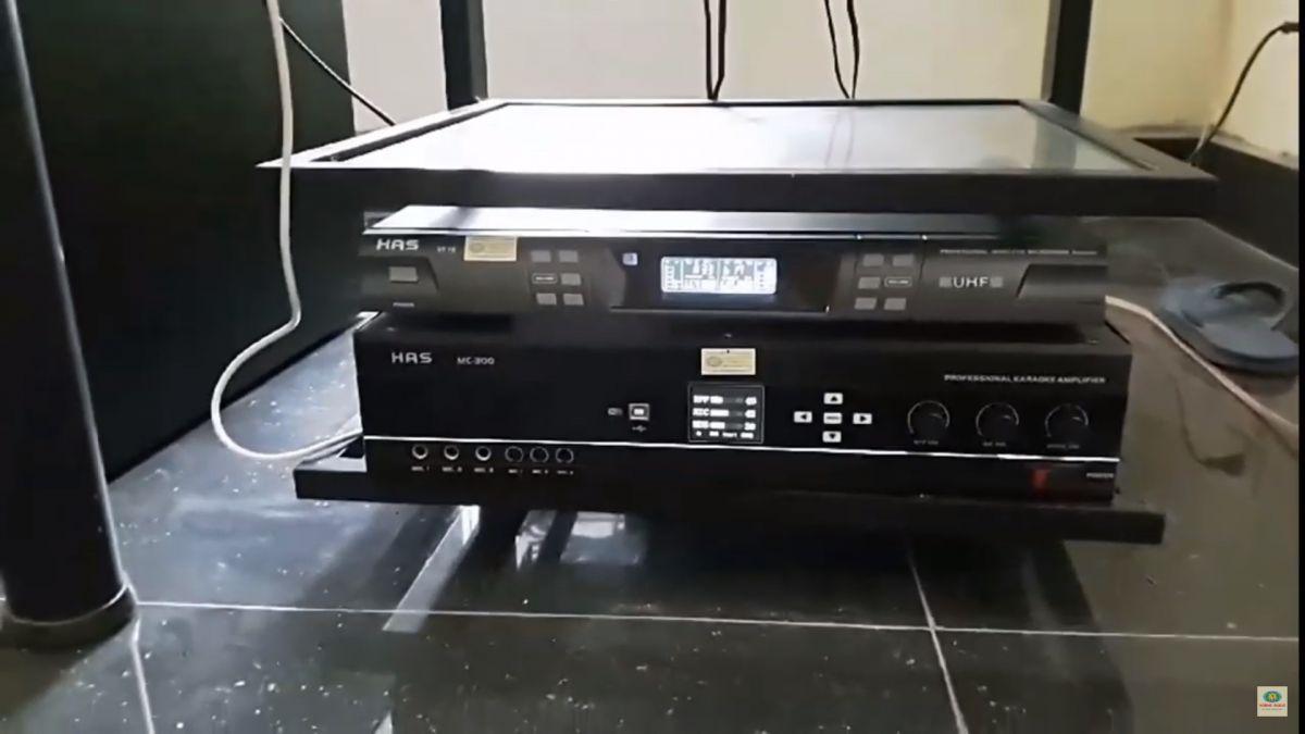 Amply has mc300 và micro has vf16 - dàn gia đình bác yên