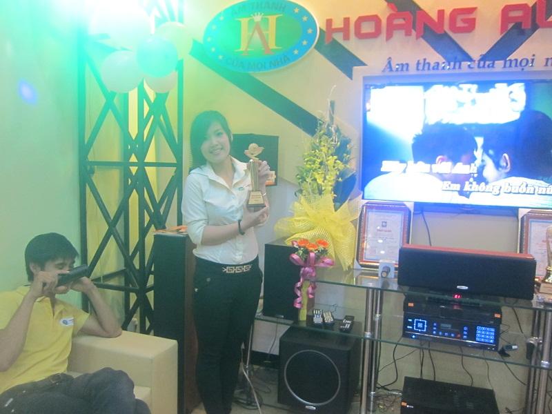 khai-truong-showroom-tai-dam-trau-1