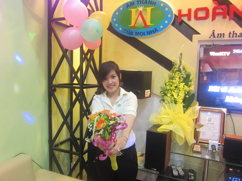 khai-truong-showroom-tai-dam-trau-2