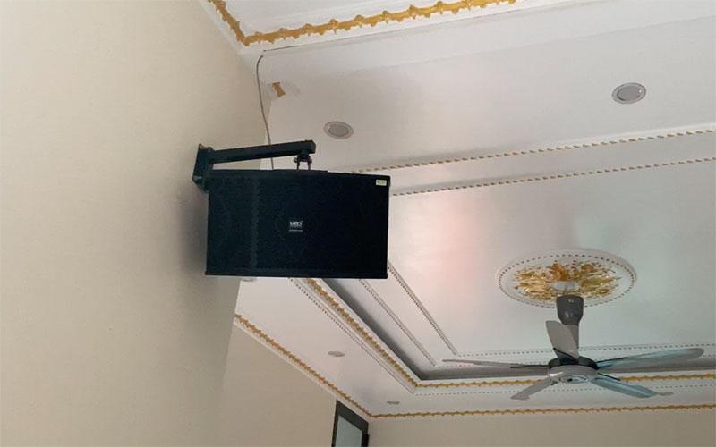 Dòng loa karaoke nằm ngang thương hiệu HAS được treo tường